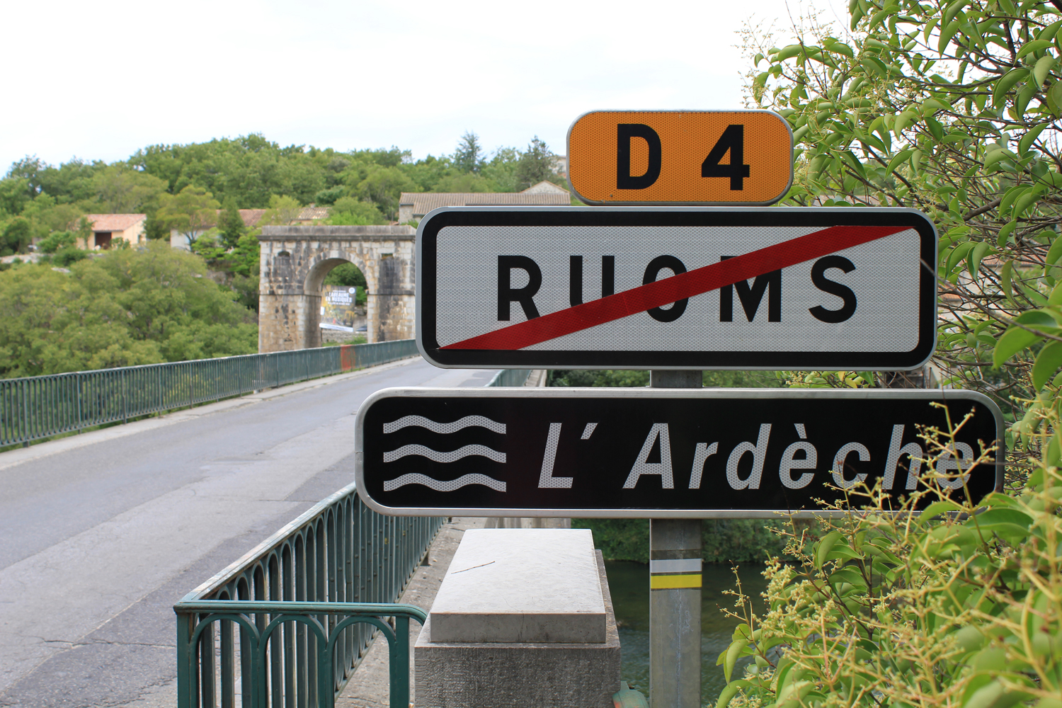 ruoms-ardeche-bridge