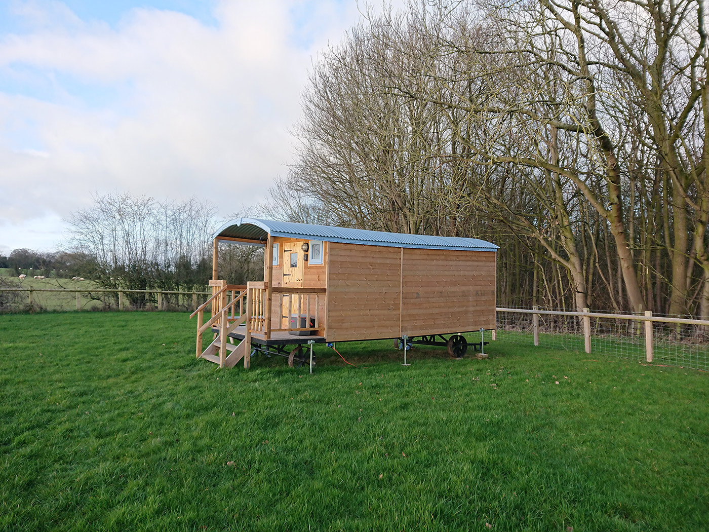 Castle Farm Holiday Shepherd's Hut Glamping Shropshire