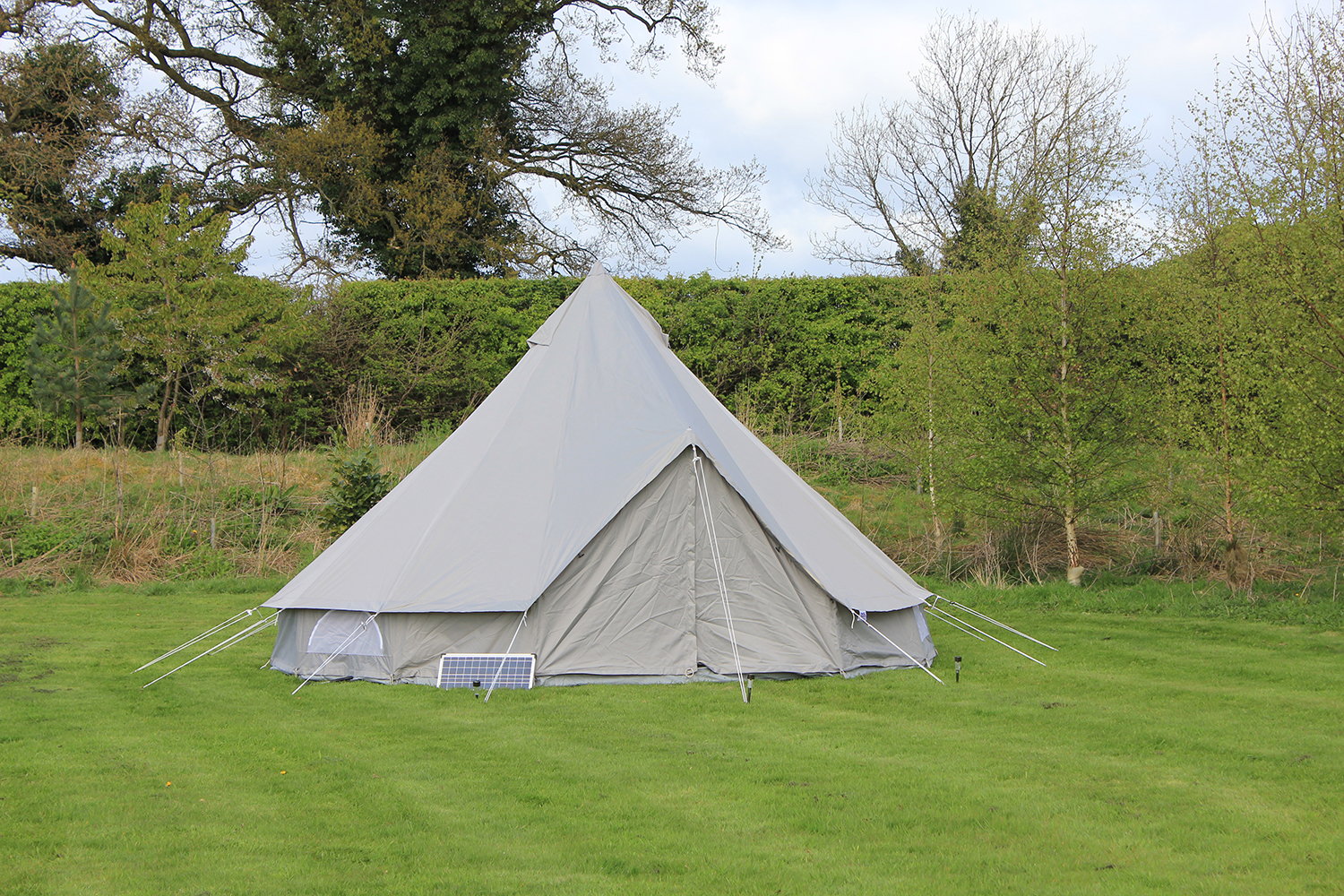 A Weekend In The 5m Oxford Canvas Bell Tent From Boutique Camping